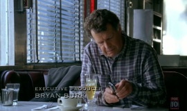 1_Fringe-1x03-The-Ghost-Network_091