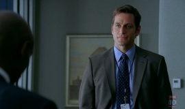 1_Fringe-1x03-The-Ghost-Network_161