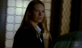 1_Fringe-1x03-The-Ghost-Network_191