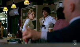 Fringe-1x04-The-Arrival_032