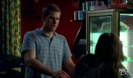 Fringe-1x06-The-Cure_018