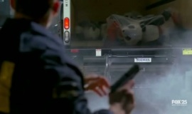 Fringe-1x07-In-Which-We-Meet-Mr.-Jones_021