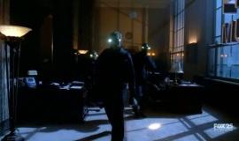 Fringe-1x10-Safe_011