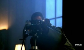 Fringe-1x10-Safe_024