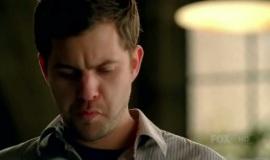 Fringe-1x11-Bound_005