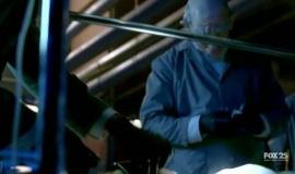 Fringe-1x11-Bound_017