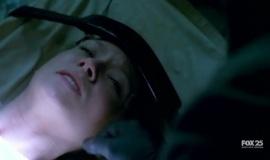 Fringe-1x11-Bound_020