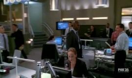 Fringe-1x11-Bound_024